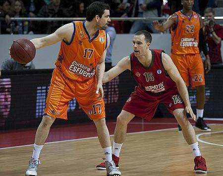 Rafa Martínez, marcado por Baron. FOTO:www.abc.es