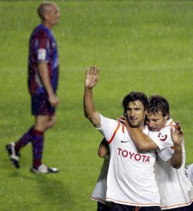 Angulo celebra su gol en el 1-5 de 2008. FOTO:www.20 minutos.es