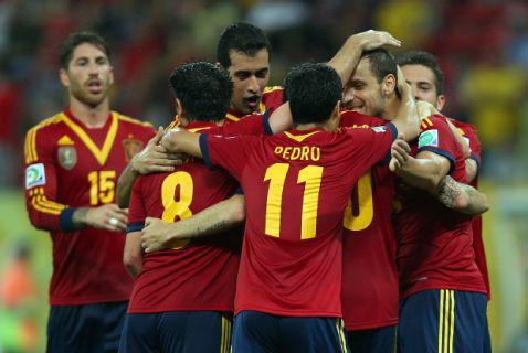 Los jugadores de España celebran un gol. FOTO:excite.es