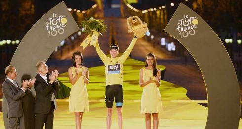 Froome, en el podio final de París. FOTO:20minutos.es