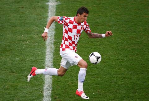El delantero croata Mandzukic, durante un partido de la pasada Eurocopa 2012 de Polonia y Ucrania.