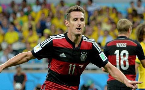 Miroslav Klose celebra su gol a Brasil. FOTO: EFE/abc.es