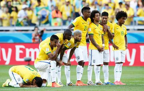 Los jugadores de Brasil, durante su tanda de penalties. FOTO:libertaddigital/cordonpress