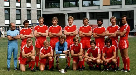 Plantilla del Bayern Munich en la temporada 1975-1976.