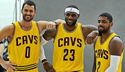Kevin Love, LeBron James y Kyrie Irving, los 'poderes' de Cleveland, favorito al anillo.