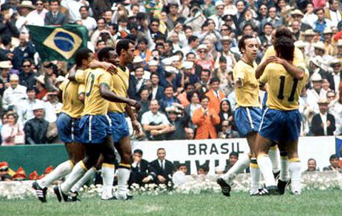 Brasil celebra un gol en el Mundial de México 1970.