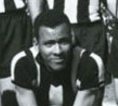 El delantero Alberto Spencer.