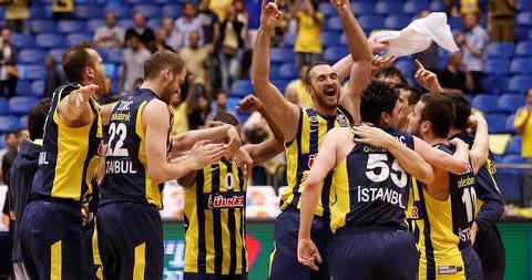 El Fenerbahce turco alcanzó la Final Four.