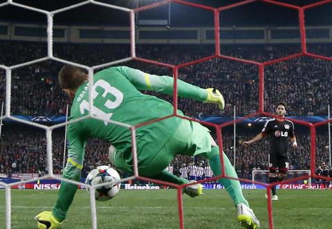 El portero Oblak fue clave en la tanda de penalties entre Atlético y Leverkusen.