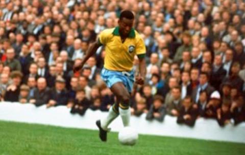 Los éxitos con Brasil dieron fama universal a Pelé.